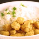 Kurczak, curry, migdały