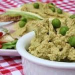 Domowy hummus z zielonym groszkiem